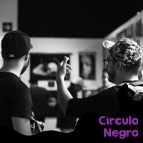 foto perfil mad in circulo negro